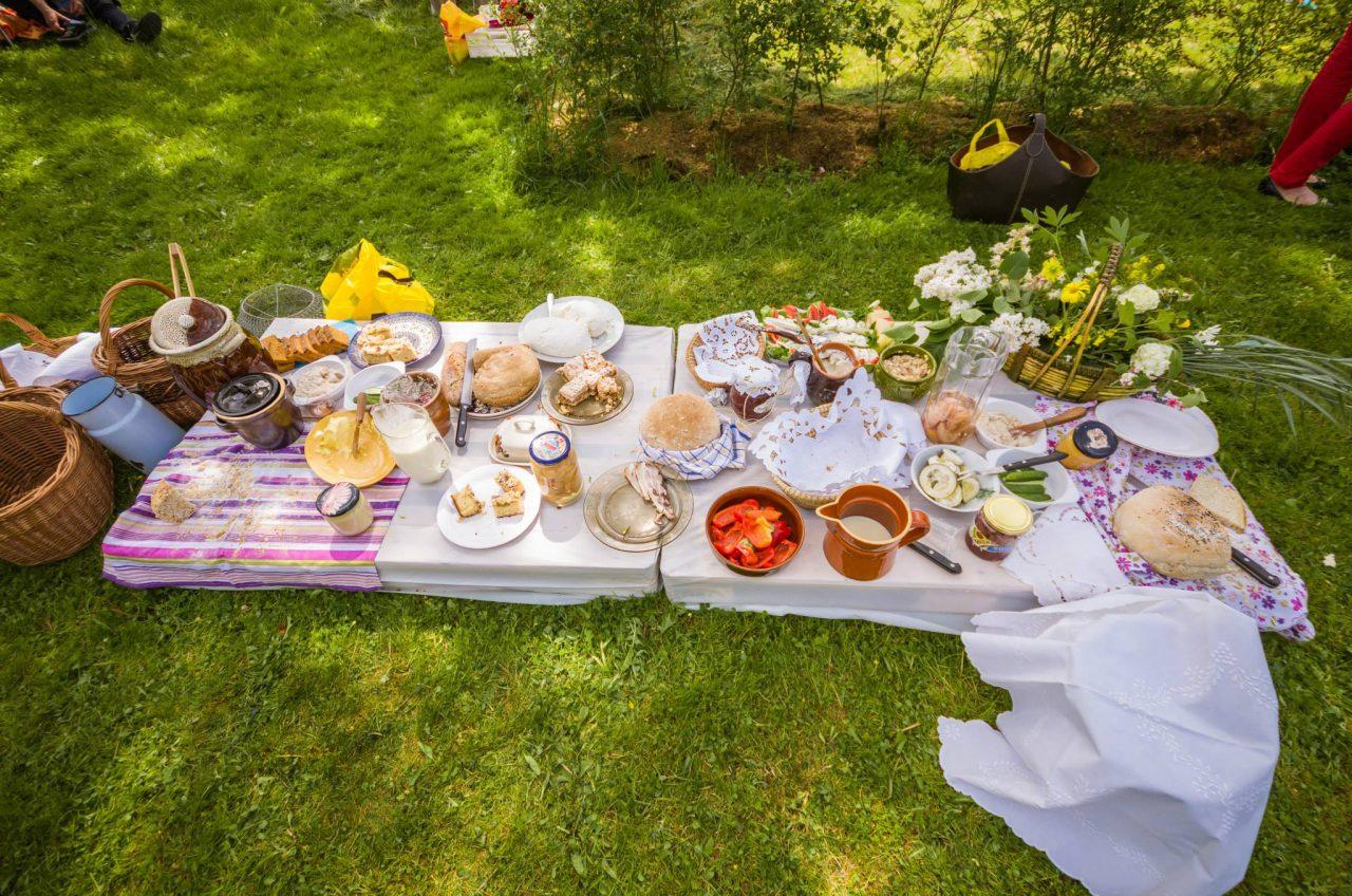Śniadanie na trawie (fot. P. Zatylny)